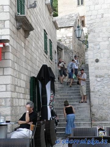 Omiš - schody k Mirabele