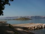 Pohled na Krk z pobřeží